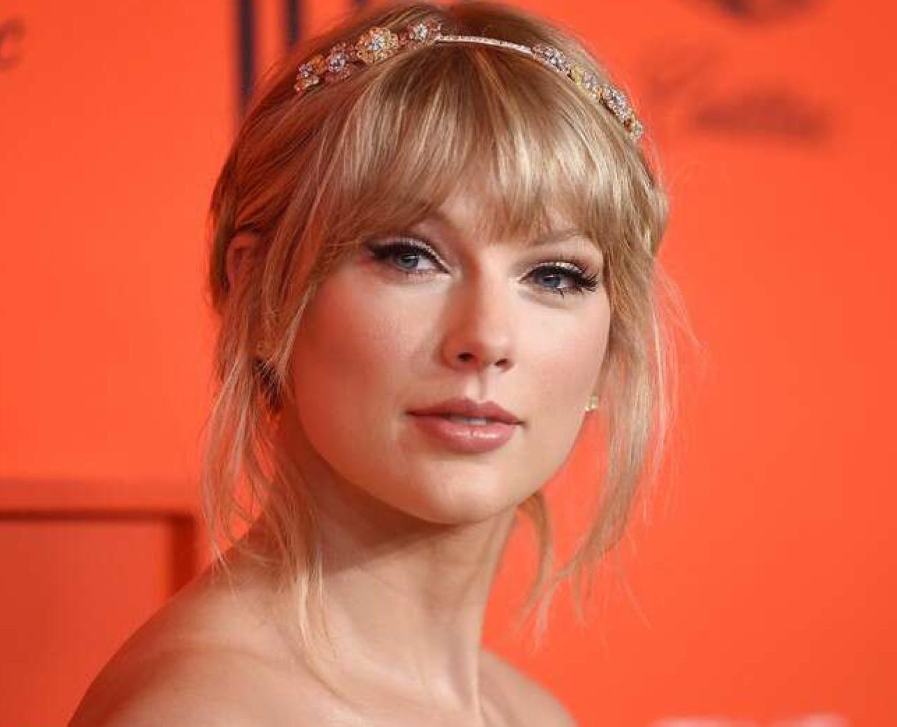 Taylor Swift Society (SwiftSoc)