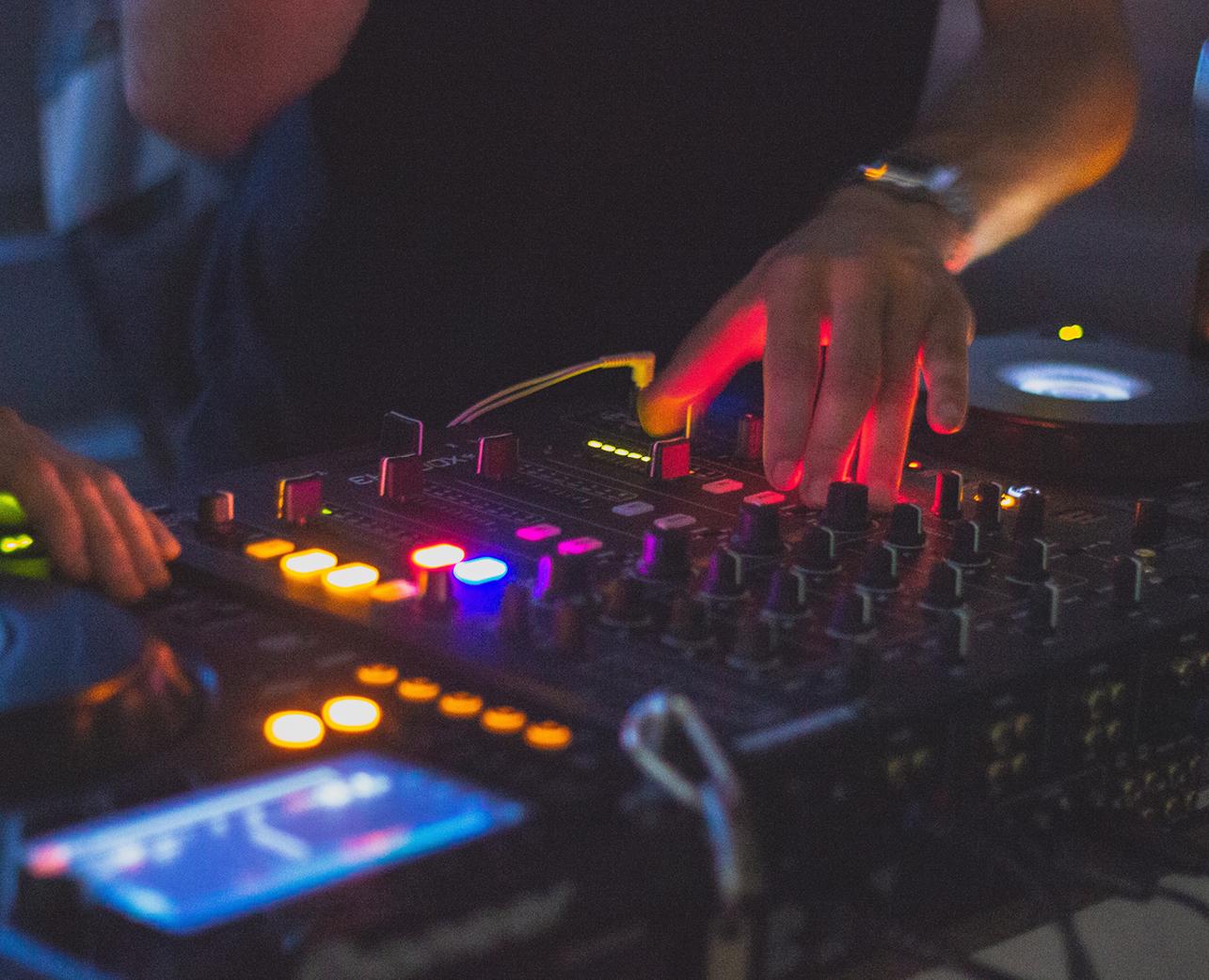 DJ Society (Breakz)